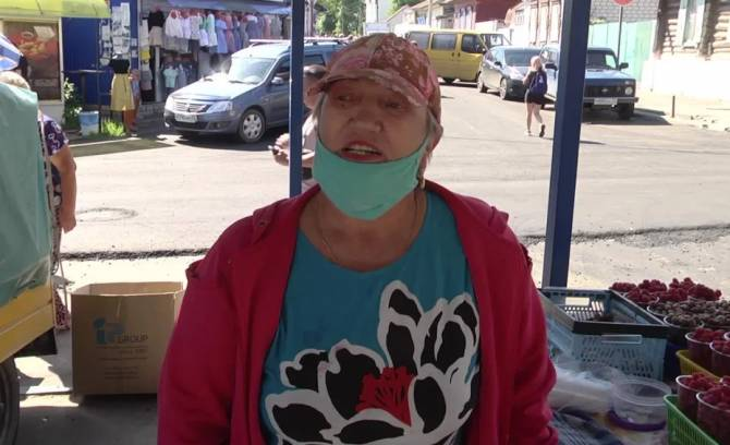 Клинцовские торговцы овощной ярмарки попросили о помощи Богомаза