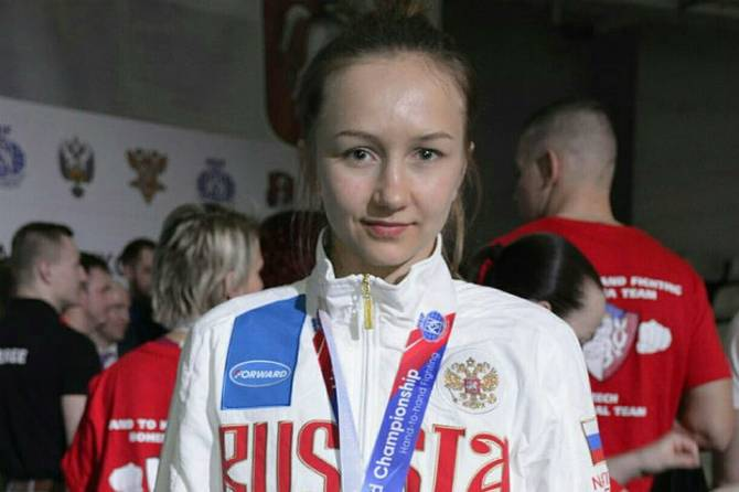 Брянская девушка отправилась на чемпионат мира по рукопашному бою