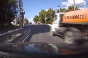 В Брянске лихача-ассенизатора дважды уличили в нарушении ПДД