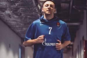 Баскетболист Фридзон передал детским домам Клинцов полмиллиона рублей