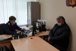 В Брянске чиновника Колесникова на преступлении поймали полицейские