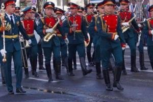 В Брянске на проспекте Ленина началась репетиция Марша Победы