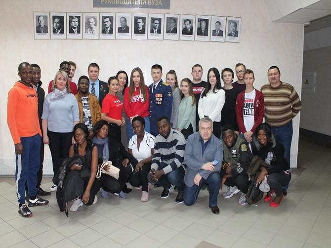 С Героем России в Брянске встретились африканские студенты БГИТУ