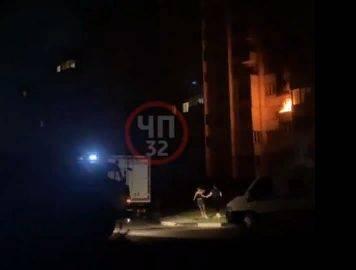 Ночью горела квартира в многоэтажке на улице Романа Брянского