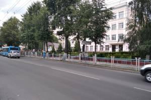 В Брянске обнаружили опасный пешеходный переход у школы №2