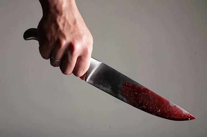 Брянец напал с ножом на собутыльника и сбежал