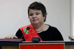 Доход главы Брянска Марины Дбар за год упал на 620 тысяч рублей