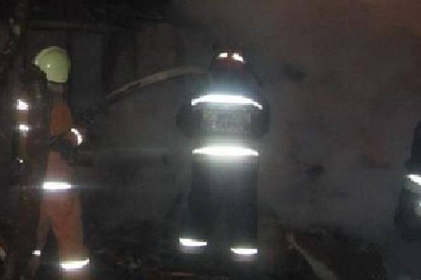 Ночью в брянском поселке Похвальный сгорела частная баня
