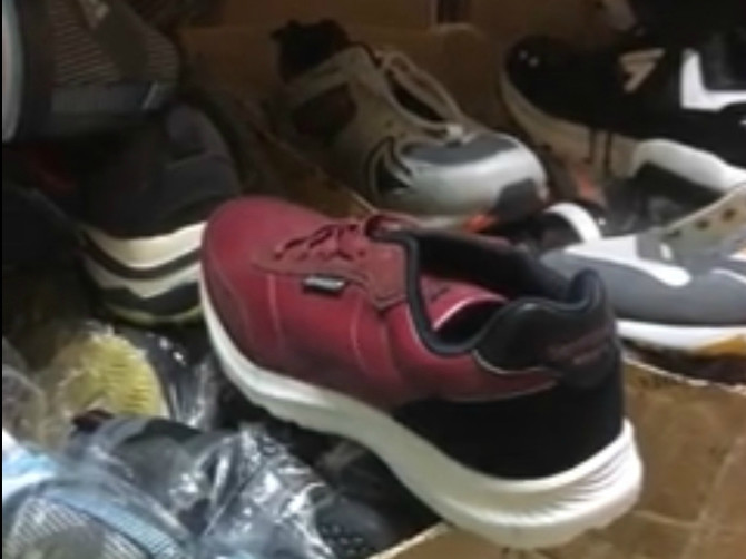 За неделю брянская полиция нашла 3 тысячи поддельных товаров