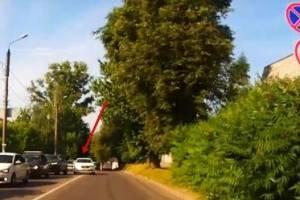 В Брянске установили личность едва не устроившего ДТП лихача на Toyota