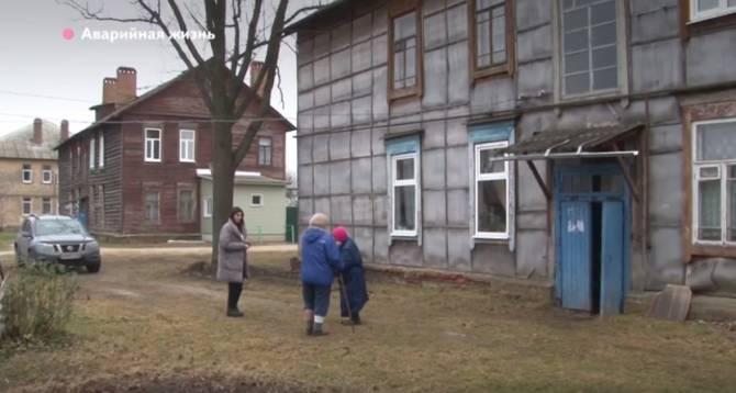 Депутат Пайкин добивается расселения аварийного дома в Новозыбкове