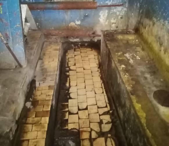 В Клинцах ужасный туалет на автостанции не ремонтируют 4 месяца