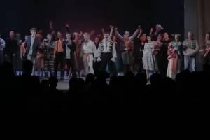 В Брянске капустником отметили Международный день театра