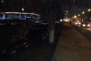 В Брянске автоледи сломала нос 30-летнему водителю Hyundai