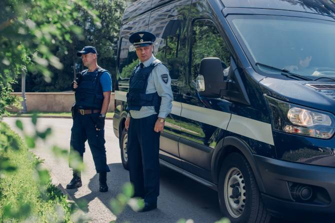 Бланки ЕГЭ в брянские школы доставляют сотрудники Спецсвязи России