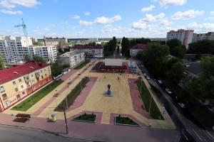 В Брянске открыли отремонтированный сквер у кинотеатра «Салют»