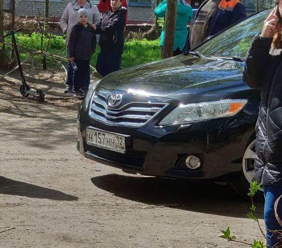 Попавшая в скандал заммэра Холина прибыла на пожар в служебной Toyota Camry