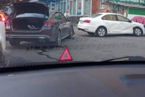 В Брянске возле площади Партизан произошло массовое ДТП