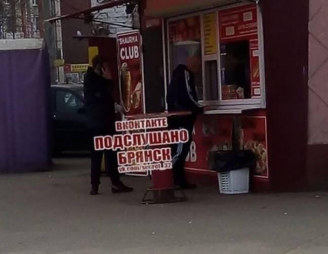 В Брянске на фоне запрета продавцы шаурмы продолжили работу