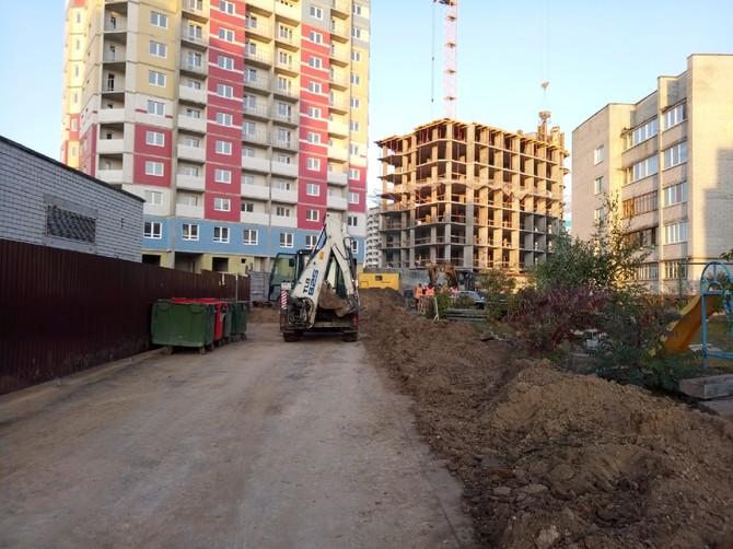 В Брянске сняли на видео коммунальную аварию на переулке Пилотов