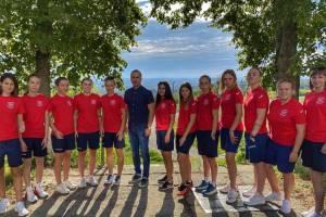 Брянские драйвовые девушки отправились на чемпионат России по пляжному футболу
