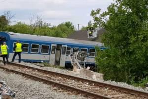 В Венгрии поезд сошёл с рельс после столкновения с брянской фурой