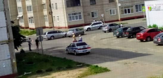 В центре Клинцов столкнулись две легковушки