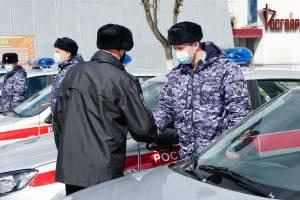 Брянским росгвардейцам подарили 12 патрульных машин
