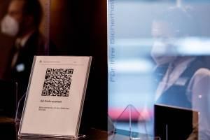 «Хватит смешить народ»: брянцы высказались против системы QR-кодов
