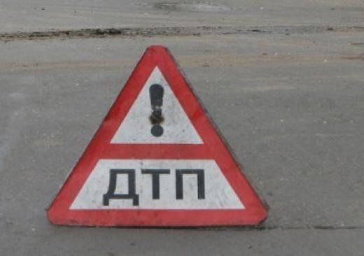 Под Брянском растащили попавшие в ДТП грузовики