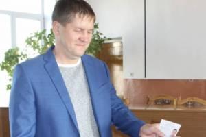 Пойманный за педофилию депутат получал деньги от правительства Брянщины