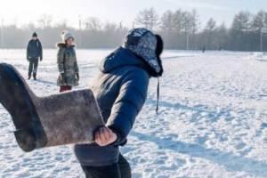 В Брянске устроят метания валенок на дальность