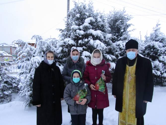 Мглинские многодетные семьи поздравили с наступающим Рождеством