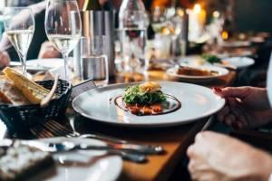 В Брянске решение об открытии ресторанов и гостиниц примут в четверг