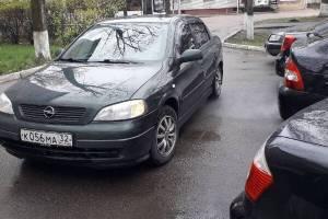 В Брянске сняли на фото наглого «мастера» парковки