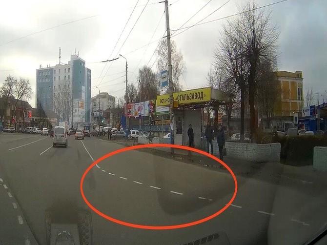 Брянских автомобилистов запутал ремонт дороги на Стальзаводе