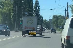 В Брянске на улице Литейной столкнулись «Газель» и «Шевроле»