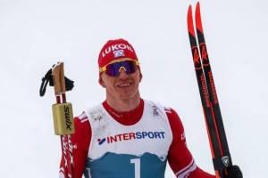 Брянский лыжник Большунов выиграл марафон в Югре