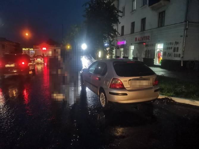По Новозыбкову гонял на иномарке 43-летний мужчина без прав