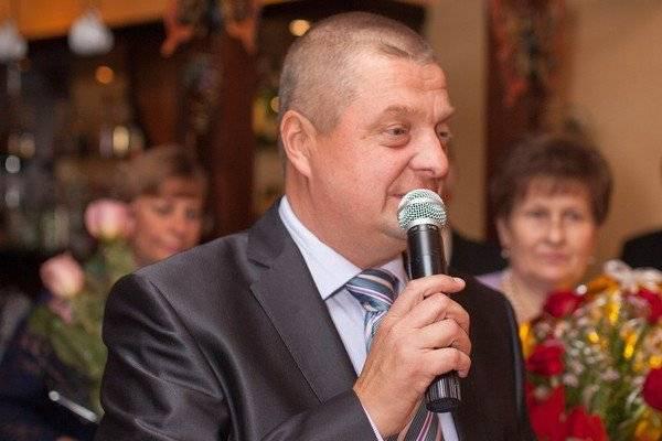 В Клинцах депутат Грибанов попросил власти отремонтировать ливневку и покосить траву