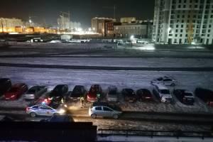 В Брянске на улице Войстроченко автохам перекрыл дорогу