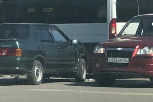 Возле ТРЦ «БУМ сити» маршрутка №34 попала в ДТП