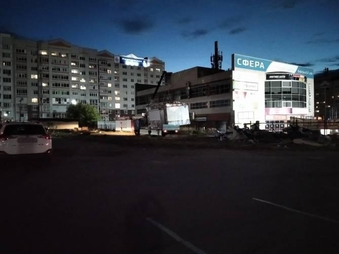 В Брянске снесли киоски у торгового центра «Куб»