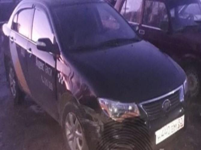 В Брянске поймали лишенного прав водителя такси