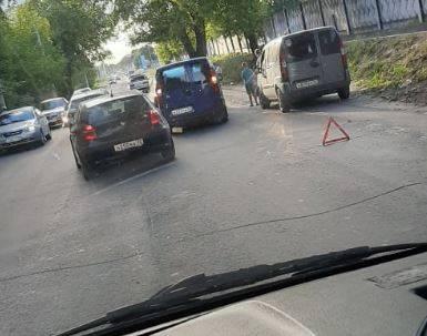 В Брянске при выезде с улицы Речной произошло ДТП