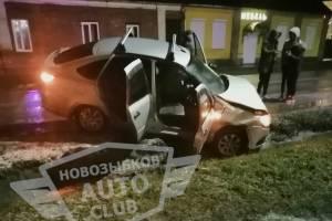 В Новозыбкове на обледенелой дороге столкнулись две легковушки
