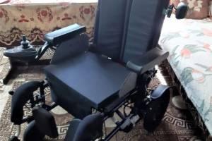 Брянцы приобрели для тяжелобольной девочки кресло-коляску за 135 тысяч рублей