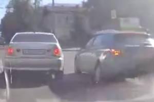 В Брянске сняли на видео лихача на Lexus