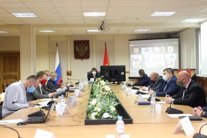 В Брянске поддержали увеличение бюджета на 610 млн рублей