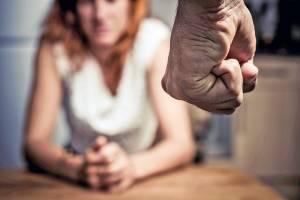 В Новозыбкове женщине сломал нос сожитель-уголовник